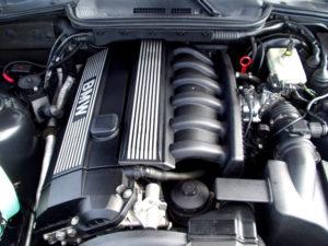 BMW M52B28